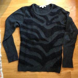 Grey / Black Autumn Cashmere sweater, zebra print